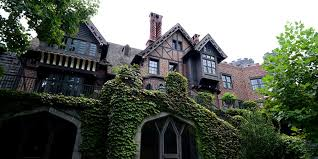 See the <b>Georgia</b> mansion featured in <b>creepy</b> Netflix hit 'Haunting of ...