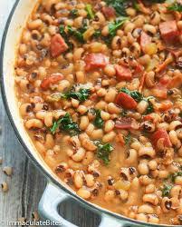 Southern <b>Black Eyed Peas</b> Recipe - Immaculate Bites