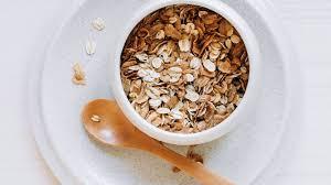 9 Health Benefits of Eating <b>Oats</b> and <b>Oatmeal</b>