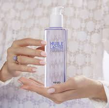 <b>Kenzoki White Lotus</b> Cleansing Milky Oil - <b>Kenzo</b> Parfums