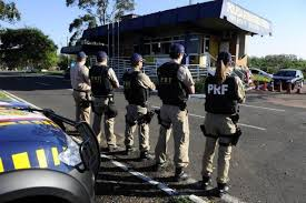 Resultado de imagem para fotos de viaturas da policia rodoviaria federal ATUANDO NA ESTRADA