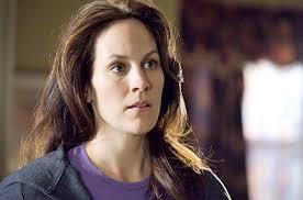 Annabeth Gish actriz de 38 años a la que todos los que seais fans de Expediente X seguro recordáis por haber interpretado a la agente Monica Reyes en la ... - brotherhood-gish19