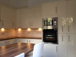under lighting for kitchen cabinets amazing modern under cabinet kitchen lighting cabinet lighting backsplash home design