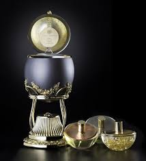 World's most expensive perfume collection: The Royalé Dream ...