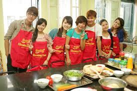 Dạy nấu ăn của các bà nội trợ đảm đang Images?q=tbn:ANd9GcSnzWmW3UPXcLUg9uGx4SvnUbkYug_ehYJgXUPQW9S1pxDG2PP6