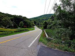 the summer classic brewster to new hamburg riding the catskills you ll continue to route 164 take a quick left and then the first right at the pond onto cornwall hill road country road 292 which you ll follow past