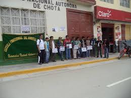 ESTUDIANTES DE LA UNACH EN DESACUERDO CON LAS MEDIDAS DE PROTESTA