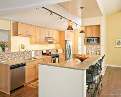 wonderful light maple kitchen cabinets for your home designs modern kitchen with custom blown pendant beautiful modern kitchen lighting pendants yellow