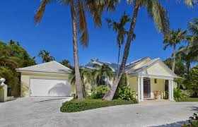 agent steve davis florida real estate douglas elliman 255 plantation road palm beach florida