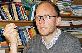 Ralph Kunz, Professor für Praktische Theologie, ist bekannt für innovative Gottesdienstmodelle und zeitgemässe kirchliche Seniorenarbeit. - 45041-Ralph-Kunz