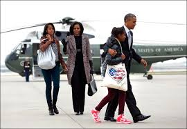 「obama family back to chicago」の画像検索結果