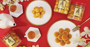 CNY <b>2021</b>: Indulge in these 11 <b>snacks</b> & keep the munchies at bay