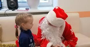 В Челнах «<b>Дед Мороз с</b> маникюром» доказал юной пациентке ...