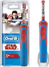 """Электрическая <b>зубная щетка Oral-B Stages</b> Power D12K """"StarWars"""""""