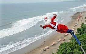 Photos droles ou cocasse du Père Noel - spécial fin d'année 2014 .... - Page 3 Images?q=tbn:ANd9GcSs02mM1o9vc5ibZ4Dzl2Xyn3Du-iU-dHTfNfr4FMQ3KZ-eggtRNA