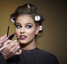 makeup cles are must to bee professional makeup artist in india