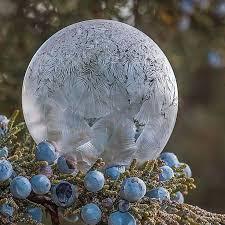 Что будет если заморозить <b>мыльный пузырь</b>. Природа творит ...