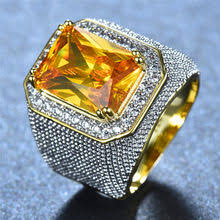 gold ring with <b>pink zircon</b>