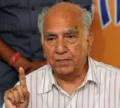 वाड्रा के खिलाफ जांच से बच रही है सरकार