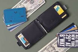 10 Best <b>Slim Bifold Wallets</b> | GearMoose