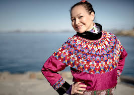 What is the meaning of the Greenland <b>national costume</b>
