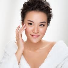 <b>Clinique's De-Aging Experts</b> Skincare Set Is On Sale Now! - SHEfinds