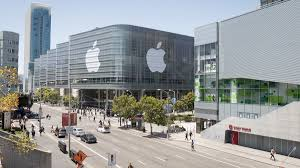 apple is one of the most reputable tech companies in the world with some of the highest paid interns working there must therefore be a dream job right apple cupertino office