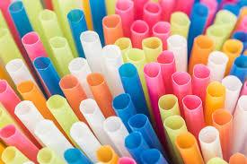 В Англии запретили пластиковые соломинки и <b>ватные палочки</b> ...