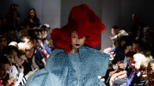 <b>Comme des Garçons</b> Spring 2016 Ready-to-Wear Collection   Vogue