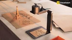 Gearbest - <b>LaserPecker Pro</b> Handheld <b>Mini</b> 1600mW Laser Engraver