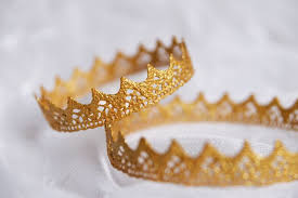 Корона золотая/серебряная (маленькая). кружево, акриловые ...