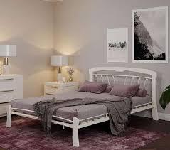 <b>Кровать</b>