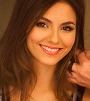 add Victoria Justice to 'my astro' - 180px-Victoria_Justice_on_Walmart_cropped