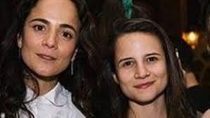 Alice Braga fala sobre a quarentena com a namorada, Bianca Comparato, nos EUA: 'Mais leve'