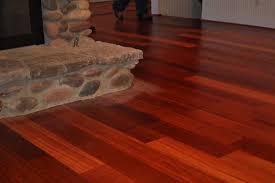 sàn gỗ óc chó trong nội thất nhà