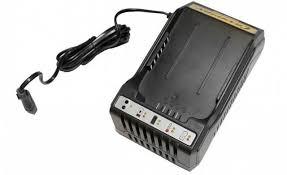 <b>Зарядное устройство</b> для аккумулятора <b>Champion CH360</b> ...