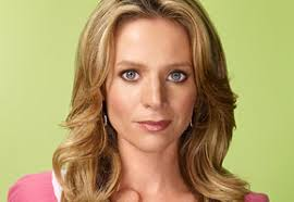 Jessalyn Gilsig Height - How Tall