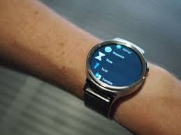 Two years on, the <b>original Huawei Watch</b> is still one of the best ...