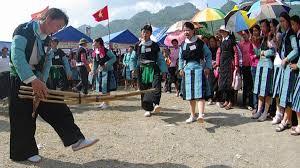 Kết quả hình ảnh cho Hội chợ tình dân tộc Mông mù cang chải