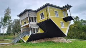 """Tagurpidi Maja"": an <b>Upside Down House</b> in Estonia - katus.eu"