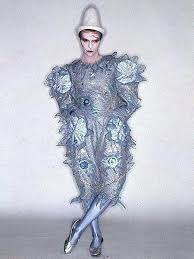 「david bowie costumes」の画像検索結果