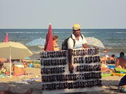 Το παρεμπόριο πάει… παραλία