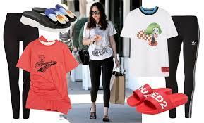 <b>Леггинсы</b> с футболкой: модные образы на фото звезд и лучшие ...
