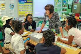 tn teacher of the year why i m thankful for teachers classroom karen works a small group in her memphis classroom