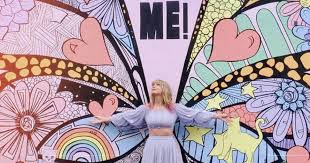 Taylor Swift <b>Butterfly Wall</b> Mural in Nashville 2019 <b>Pictures</b> ...