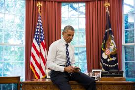 president barack obama tweets his first tweet from his new potus account from the oval barack obama oval office