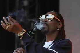 <b>Snoop Dogg</b> says he smoked marijuana in the White House ...