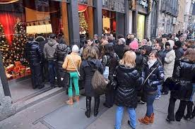 Risultati immagini per Immagini di Milano strade affollate