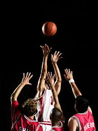 how sports can teach workplace leadership skills team performance lessons from madness rsz thinkstockphotos 83313318