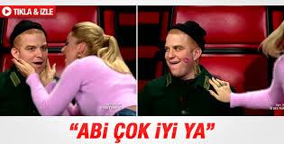 O Ses Türkiye'de Hadise Gökhan'ı öptü
